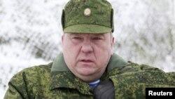 ЕО санкция салған адамдардың бірі - Ресей әуе десанты күштерінің қолбасшысы Владимир Шаманов. Ставрополь, 15 наурыз 2012 жыл.