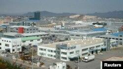 Koreja e Veriut - Pamje ajrore e kompleksit industrial Kaesong (Ilustrim)