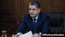Armenia - Prime Minister Tigran Sarkisian presents the draft state budget for 2014 to lawmakers, Yerevan, 28Oct2013.