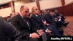 """Татарстан министрларына да фаббинг күренеше хас, """"Татарстанның бизнес партнерлары"""" форумыннан фотосурәт."""