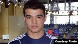 Моңғолия құрамасындағы қазақ боксшысы Ерболат Төлек. Астана, 2012 жылдың сәуірі.