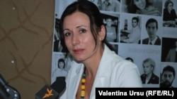 Loretta Handrabura, ministrul adjunct al învățămîntului în studioul Europei Libere la Chișinău