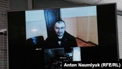 Эмир-Усеин Куку присутствует на заседании суда в Крыму по видеосвязи из СИЗО Симферополя, архивное фото