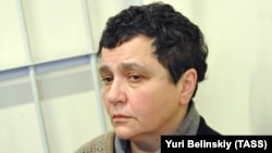Искусствовед Елена Баснер в зале суда
