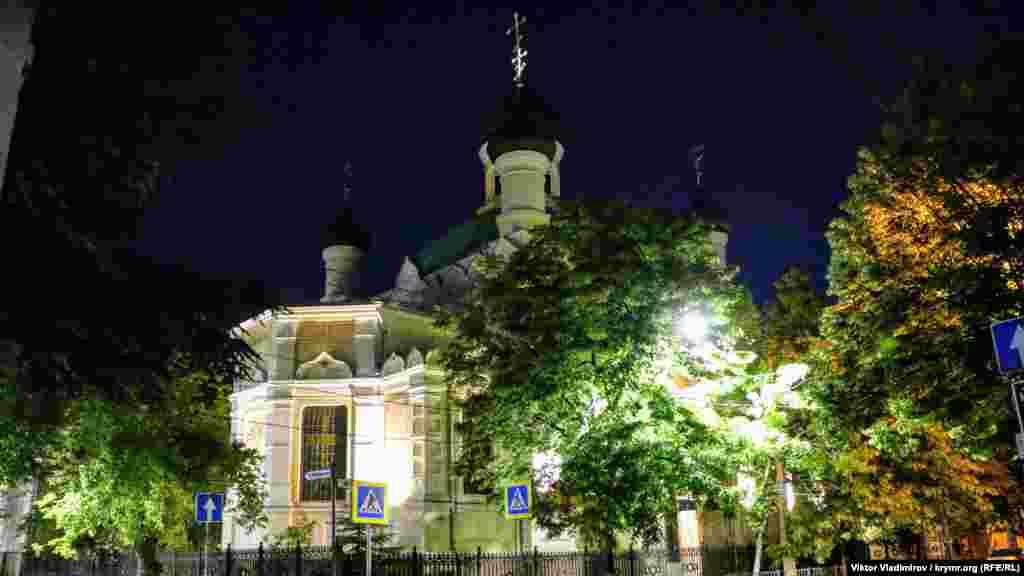Церква Трьох Святителів Великих на вулиці Гоголя