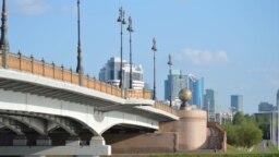 Мост через реку Есиль в Астане. Снимок из личного архива фотографа Ильи Никитина.