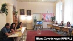 Сегодня в 7:00 открылись все участки для голосования во всех районах Абхазии, а к 14:00 проголосовало 725 человек из 133000, имеющих право голоса, что составляет около 0,5%