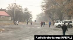 Машина місії ОБСЄ чергує у селищі Олександрівка