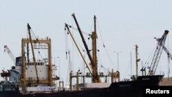 """Brod """"Amaltea"""" snimljen prije isplovljavanje iz grčke luke Lavrio"""