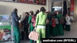 Туркменские школьники.
