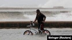 Ураган «Ірма» пронісся Кубою, Гавана, 10 вересня 2017 року