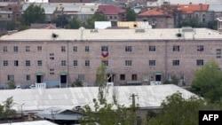 Здание полка ППС в Ереване, 30 июля 2016 г․