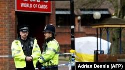 Поліцейські у британському Солсбері через кілька днів після отруєння, 12 березня 2018 року