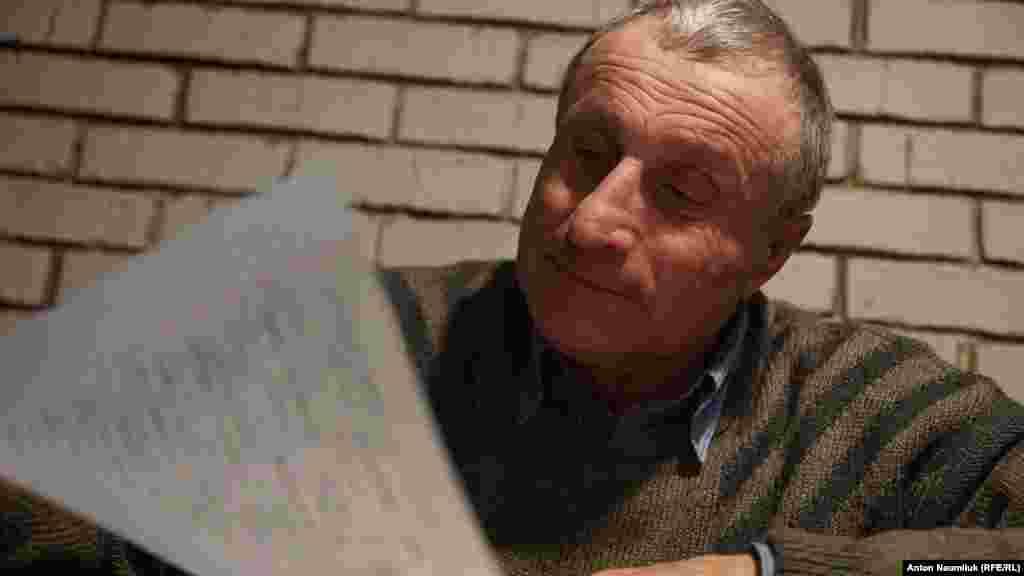 Крымский журналист Николай Семена пишет Всеукраинский диктант в Крыму