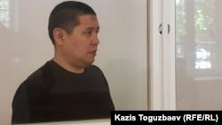 Бывший военнослужащий Бактыгали Калдыбеков выступает на прениях сторон в суде, где его обвиняют в пропаганде терроризма. Алматы, 2 июля 2019 года.
