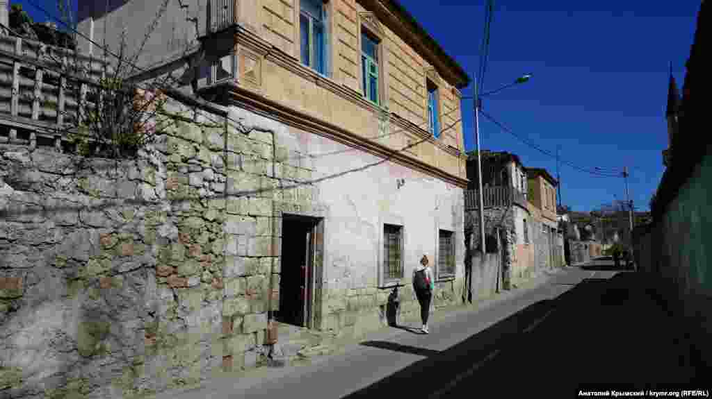 На вулиці Басенка