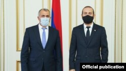 Арарат Мирзоян (справа) и Ашот Хачатрян