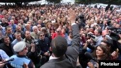 Ձեռներեցների ցույցը Կառավարության շենքի մոտ, 2-ը սեպտեմբերի, 2014թ.