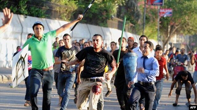Protesti na trgu Tahrir, juli 2013.