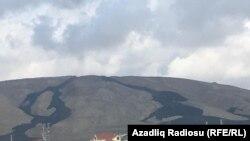 Palçıq vulkanın püskürdüyü ərazidə məcburi köçkünlərin məskunlaşdığı Ümid qəsəbəsinin lap yaxınlığındadır, 23 sentyabr 2018