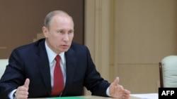 Ռուսաստան - Վարչապետ Վլադիմիր Պուտինը խորհրդակցություն է անցկացնում, Մոսկվա, 10-ը հունվարի, 2012թ.