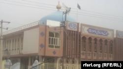 مسجد باقر العلوم بعد از انفجاریکه امروز در داخل آن صورت گرفت.