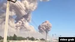Клубы дыма над городом Арысь, 24 июня 2019 года.