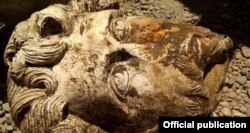 Рим императору Марк Аврелийдин бюсту. Египеттин Байыркы эстеликтерди сактоо министрлигинин сүрөтү.