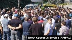 Митинг в поддержку Гасангусеновых в Махачкале