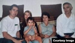 Семья Володиных (Авенир справа)