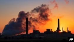 намалување на емисиите на стакленички гасови за најмалку 55 проценти до 2030 година?
