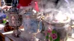 Самовар, оркестр и блины: в Севастополе отпраздновали Масленицу (видео)