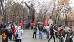 В Алматы отмечают 95-летие Октябрьской революции