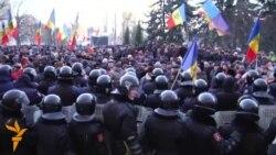 Proteste la Chișinău împotriva votării Guvernului