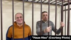 Блогеры Аляксандар Кабанаў і Сяргей Пятрухін у судзе. Магілёў, 12 лютага.