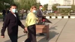 Выборы в Украине: как голосовал президент Зеленский и его родители (видео)