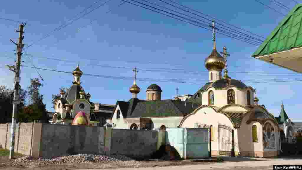 Свято-Миколаївський чоловічий монастир був відкритий 23 грудня 2010 року на базі храму Христа Спасителя