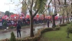 Protest ispred Skupštine Crne Gore: Ne damo državu!