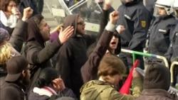 В Германии протестующие пытаются сорвать съезд правой партии