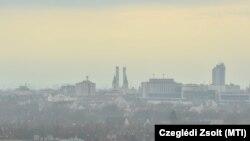 Füstköd Debrecenben 2019. február 21-én. A szálló por légköri koncentrációja ezen napon meghaladta a tájékoztatási küszöbértéket a városban.