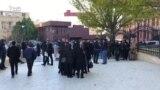 Polis Qarabağda həlak olanların yaxınlarına qarşı