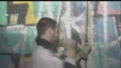 20 il əvvəl sökülən Berlin Dİvarı