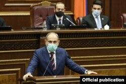 Armenian Prime Minister Nikol Pashinian speaking to parliament on September 27.