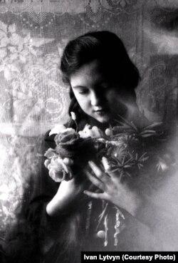 Raisa Litvin, a fotós lánya.