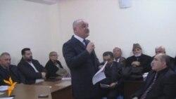 Arif Hacılı İctimai Palatanın toplantısında çıxış edərkən