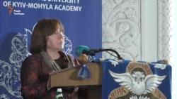 «Люди повинні вбивати ідеї, а не одне одного» – Світлана Алексієвич (відео)