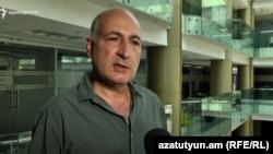 Լիբանանից հայրենիք տեղափոխված էլիաս Քալաջյանը զրուցում է «Ազատության» թղթակցի հետ