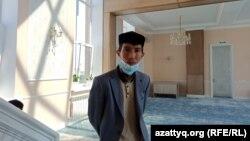 Жымпитыдағы жаңа мешіттің имамы Әділхан Наурызбай.