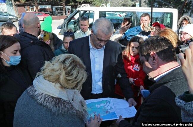 Сергей Аксенов на встрече с жителями Фороса, 3 марта 2021 года