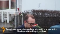 Muscovites Mourn For Paris Attack Victims